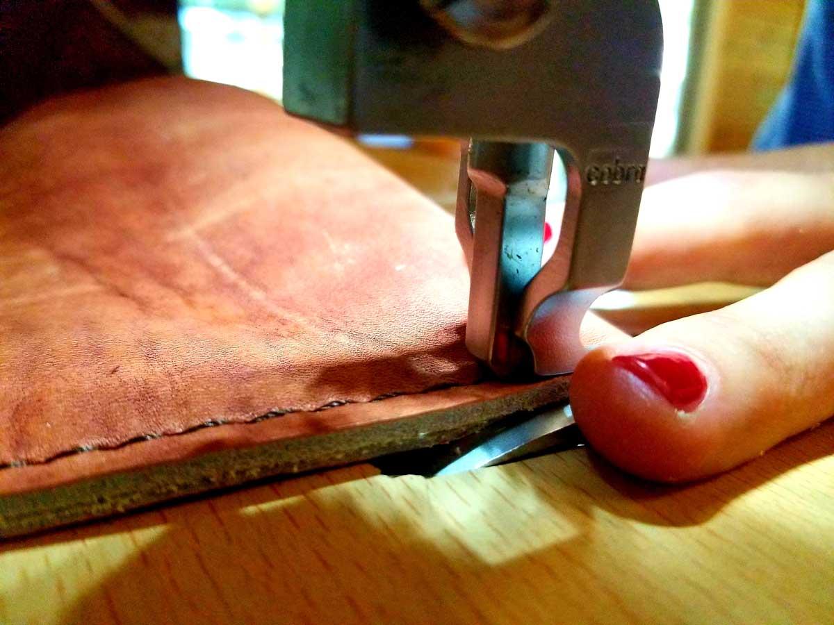 WOP-leather-purse-stitching